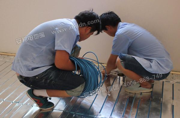 现场安装发热电缆
