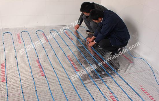 安装发热电缆